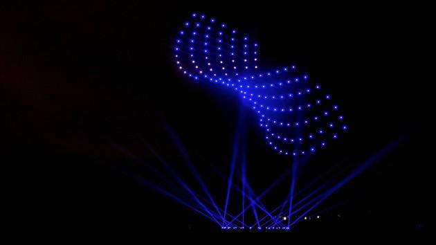 Netze für morgen, Drohnen bilden Formation Kampagnenmotiv