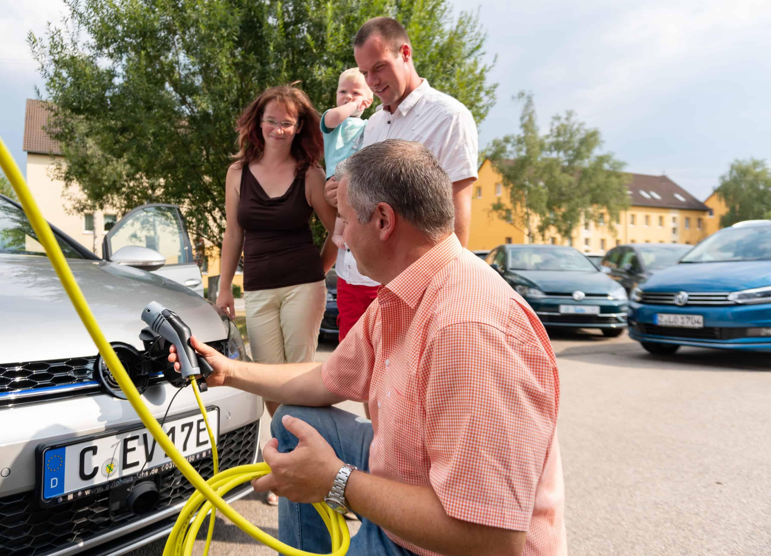 Kunden testen Elektroauto