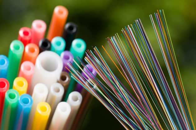 bunte Glasfasern und Kabel