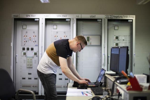 Sebastian Wolfermann arbeitet bei MITNETZ STROM im Bereich Netzdienstleistungen