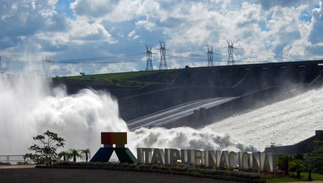 Wasserkraftwerk Staudamm Itaipu, Brasilien, Paraguay, Südamerika