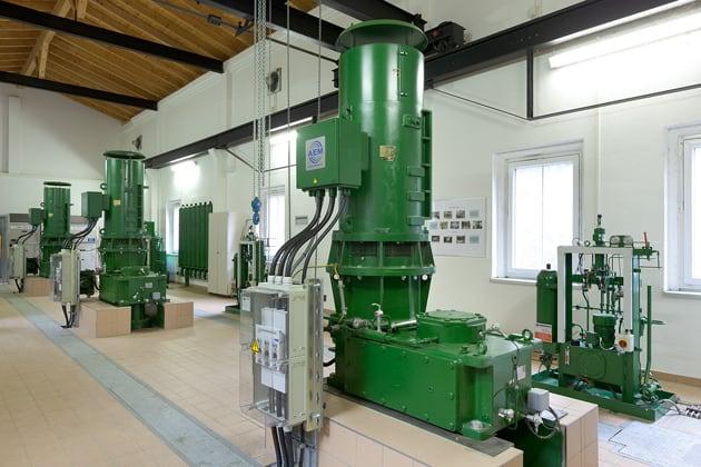 technische Geräte im Wasserkraftwerk Liebenhain
